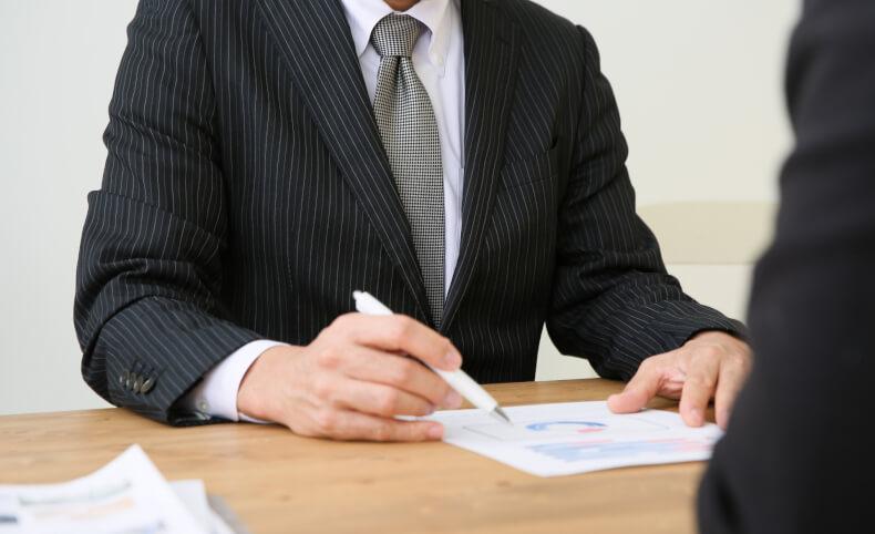 税理士・公認会計士・司法書士を徹底比較!一番多いのは?高給は?