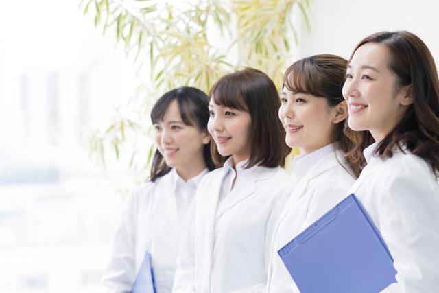 ファーマライズで働く女性薬剤師